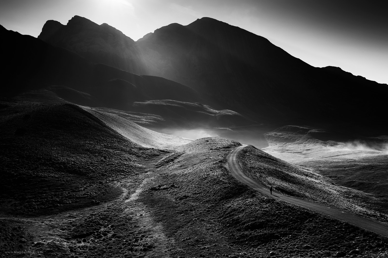 magda-chudzik-black-and-white-landscape-photography-21