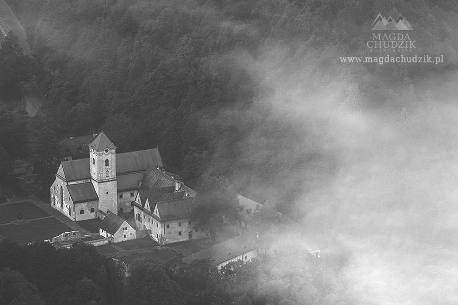 images_blog_pieniny-bw_czerwony-klasztor